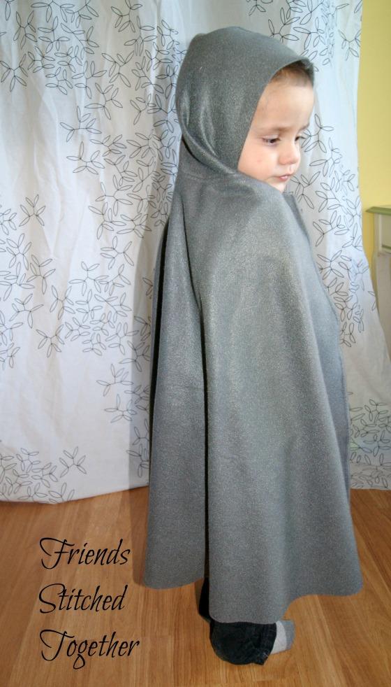 Hobbit Cloak {{FrindsStitchedTogether.Wordpress.com}}