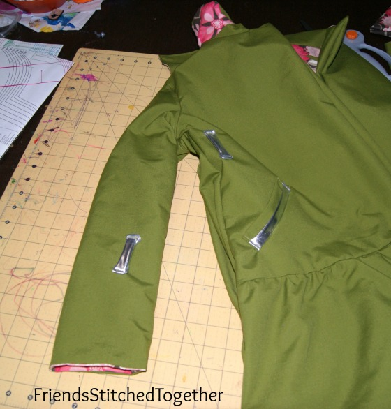 The Coat Sleeve Magic Trick {{FriendsStitchedTogether.com}}